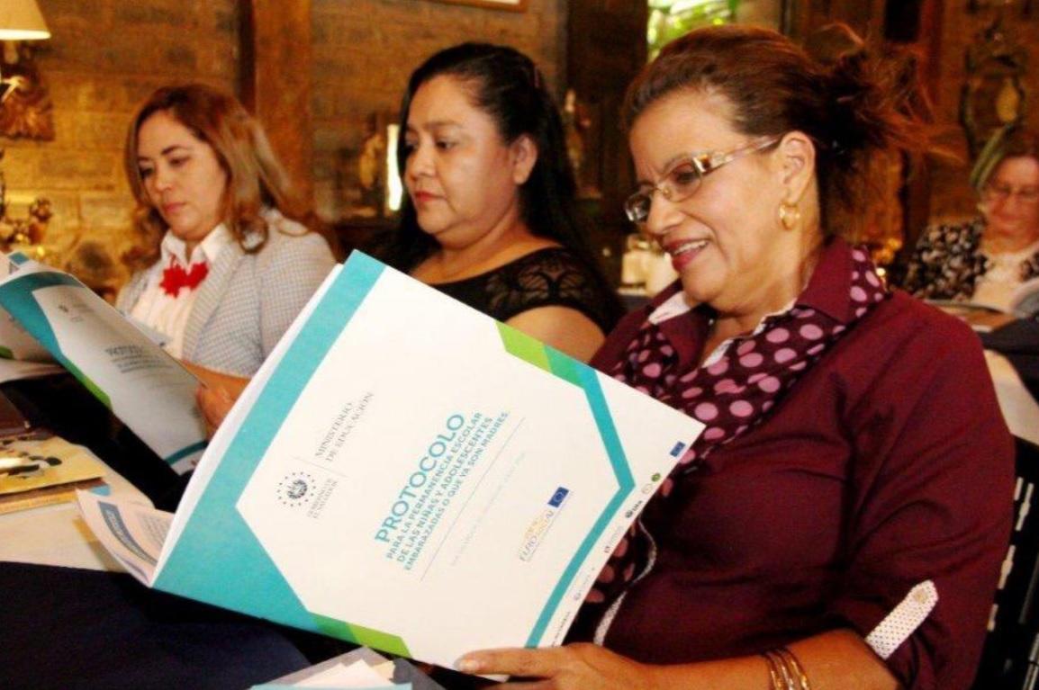 meeting latinas